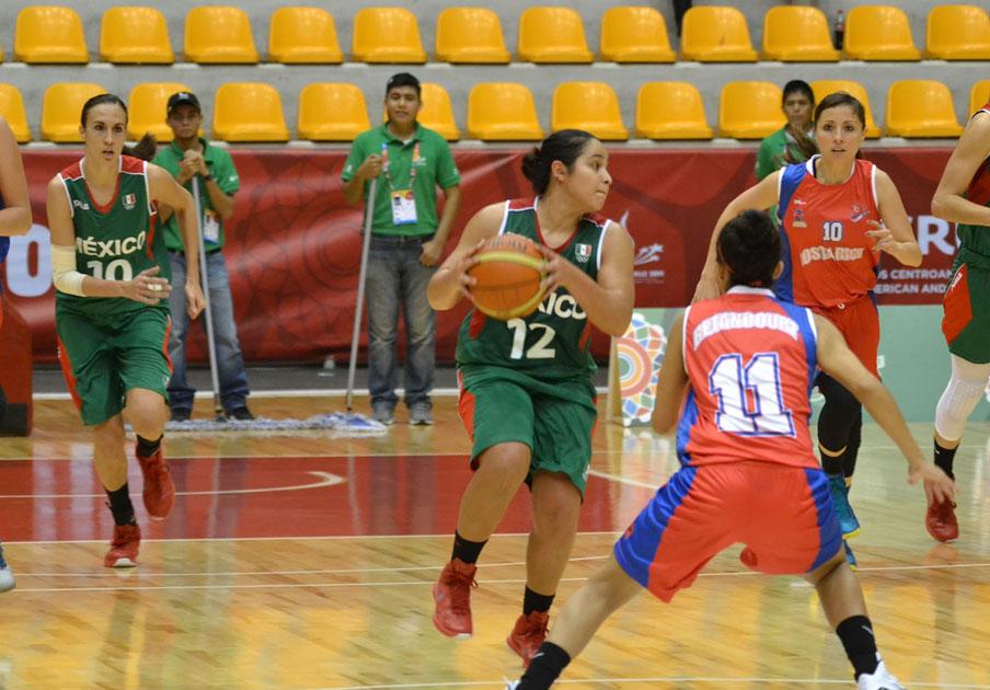 La selección de Basquetbol femenil Por el primer lugar de grupo.