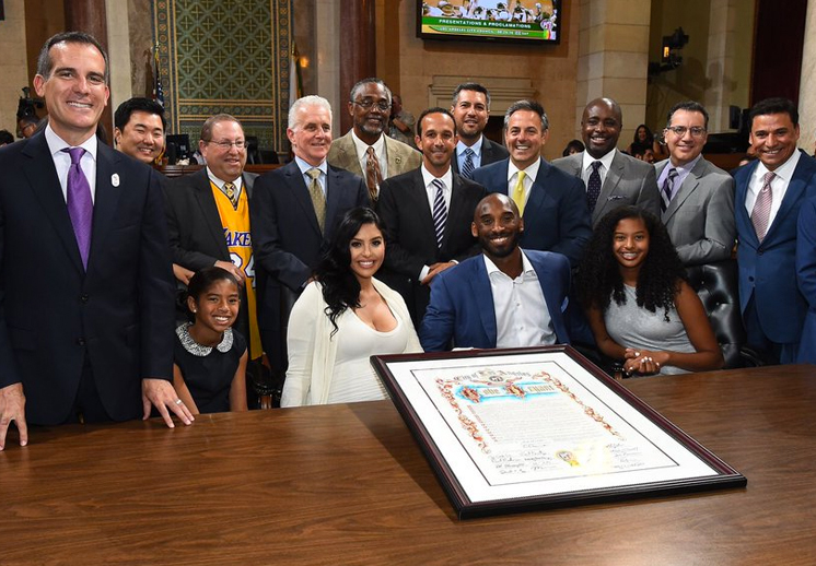 Así estuvo el festejo del Día de Kobe Bryant en LA por viva Basquet