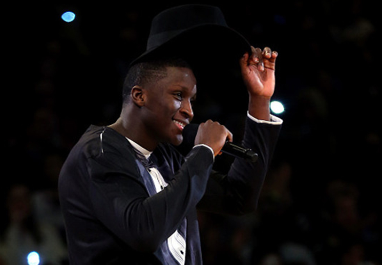 """Victor Oladipo interpreta """"I believe I can fly"""" de R.Kelly"""