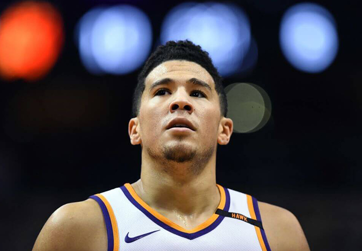 Devin Booker sigue haciendo historia