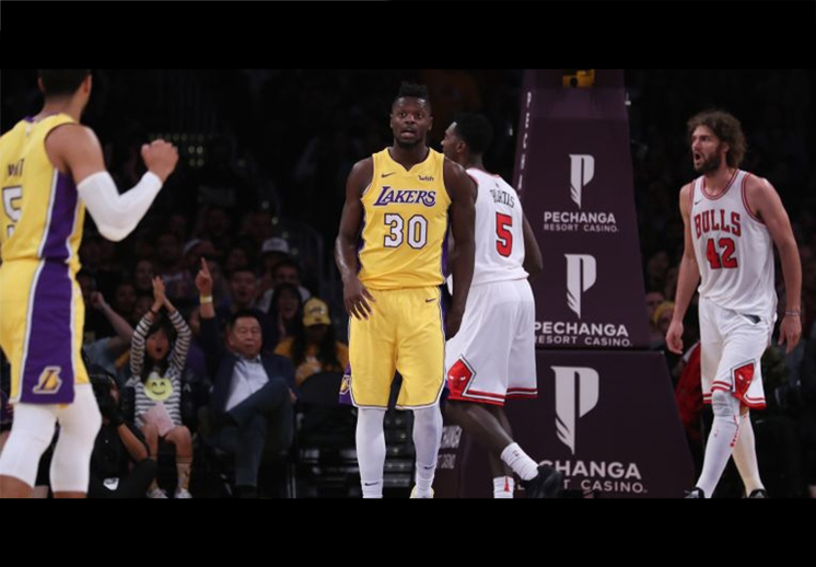 Los Lakers arañan la postemporada
