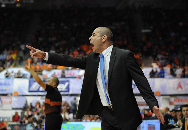 Iván Déniz el nuevo coach de la Selección habla para Viva Basquet