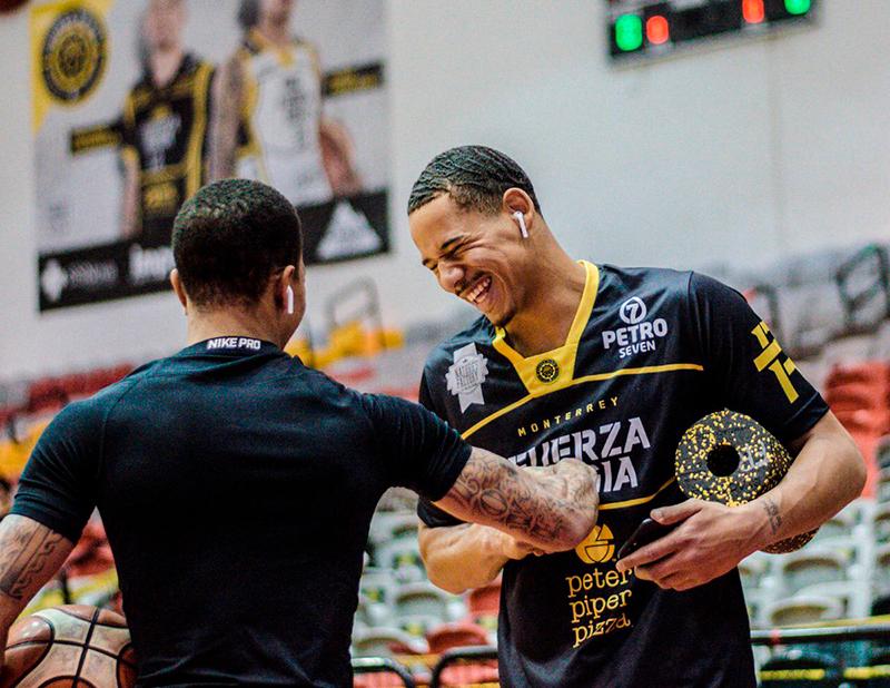 Juan Toscano luce en su regreso a Fuerza Regia