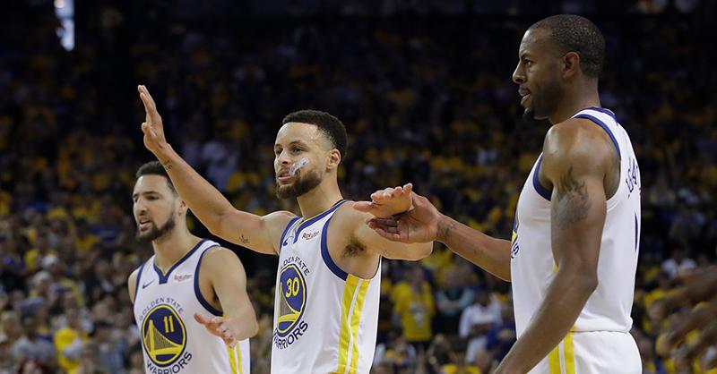 Final de alarido en el juego entre Warriors y Rockets