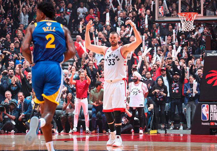 Debut triunfal de Raptors en Finales