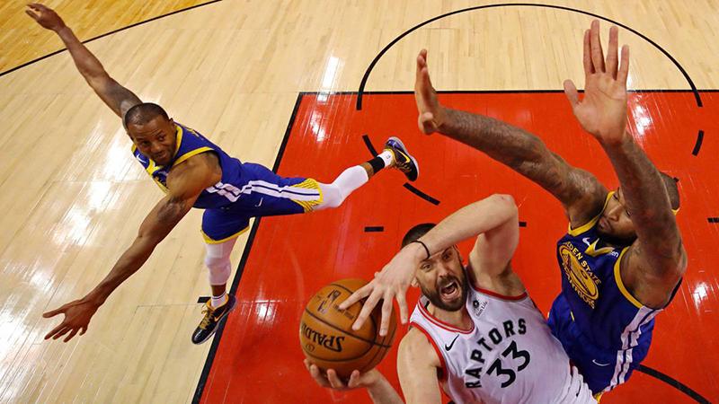La NBA le metió más polémica al juego 5 de las Finales